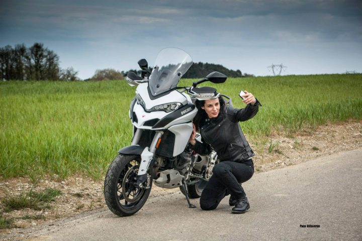 tuscany-motorcycle-tours-gallery-on-the-road-selfie