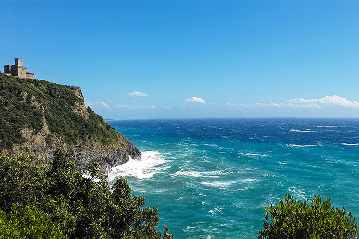 tuscany-motorcycle-tours-seaside-volterra
